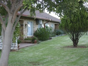 acacia_cottages_1