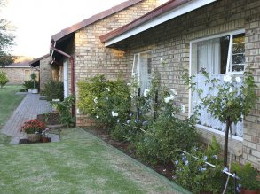 acacia_cottages_2
