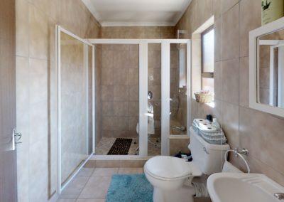 Trans-50-Acacia-Park-Madeliefie-Bathroom