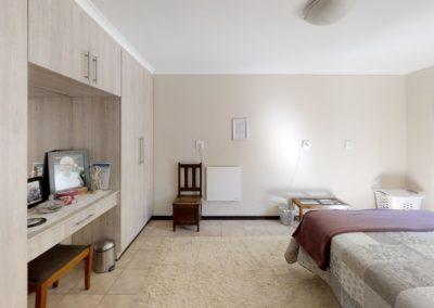 Trans-50-Acacia-Park-Madeliefie-Bedroom