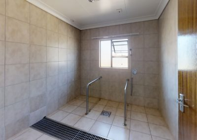 Trans-50-Acacia-Park-Wag-N-Bietjie-Bathroom