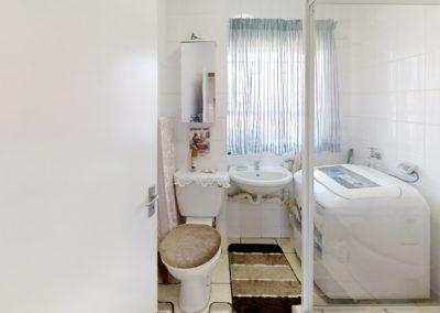 Trans-50-Fichardt-Park-Een-Slaapkamer-Bathroom