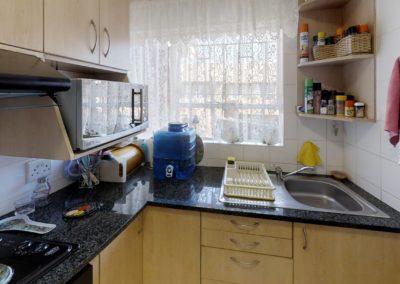 Trans-50-Fichardt-Park-Een-Slaapkamer-Kitchen