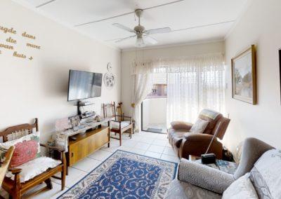 Trans-50-Fichardt-Park-Een-Slaapkamer-Living-Room