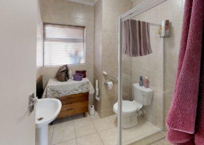 Trans-50-Kiepersol-104-1-Slaapkamer-Bathroom