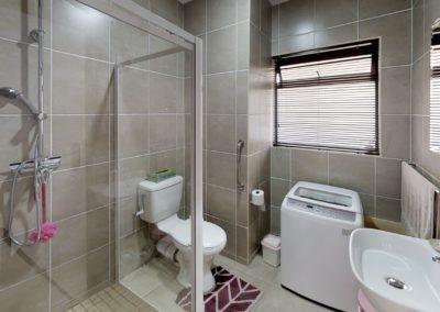 Trans-50-Kiepersol-6-1-Slaapkamer-Bathroom