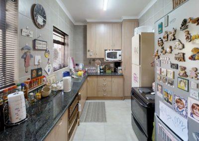 Trans-50-Kiepersol-6-1-Slaapkamer-Kitchen