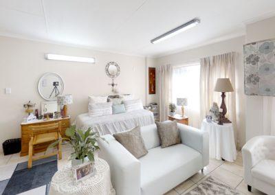 Trans-50-Mopanie-107-Bachelor-Bedroom (1)