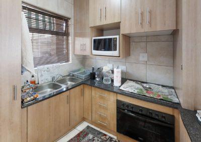 Trans-50-Mopanie-107-Bachelor-Kitchen