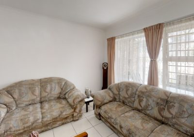Trans-50-Witfield-Park-2-Slaapkamer-Living-Room